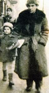 Xawery Krasicki z córką Magdaleną po powrocie z Krasnogorska, 1947.