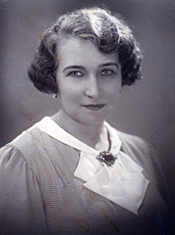 Mama Zofii Schuch, Janina z d. Iwicka.