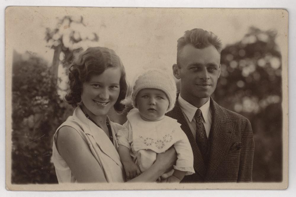 Rotmistrz Witold Pilecki z żoną Marią i córką Zofią
