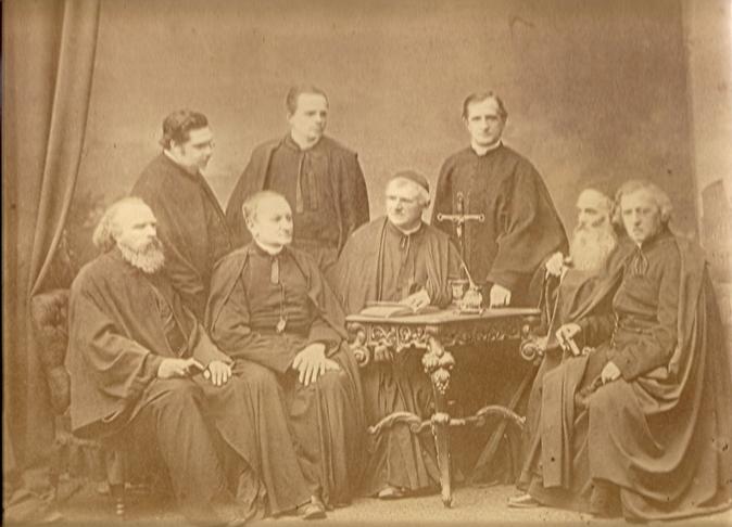 Kapituła Zmartwychwstańców, Paryż1872 r. Ostatni po prawej ks. Aleksander Jełowiecki