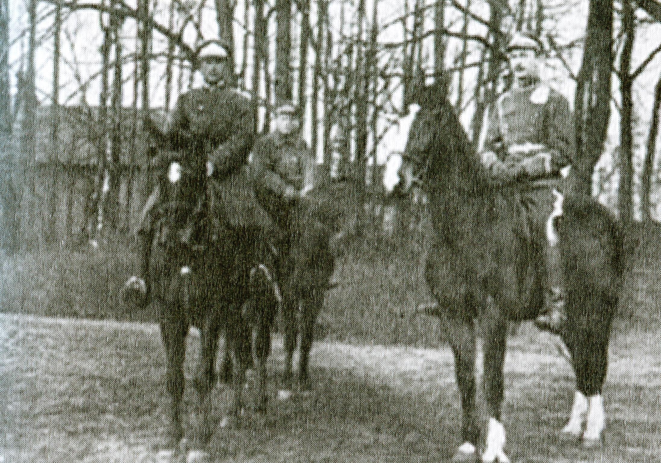Ksawery Karśnicki (z lewej) z bratem Antonim - wyjazd na wojnę bolszewicką