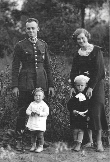 Witold Pilecki z żoną Marią i dziećmi, Zofią i Andrzejem, 1937 rok