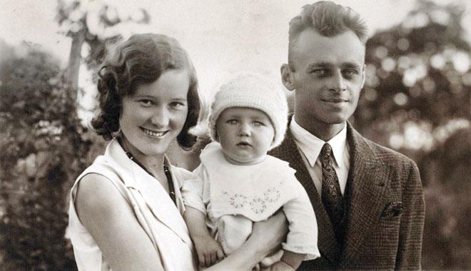 Witold Pilecki, przyszły dobrowolny więzień niemieckiego obozu koncentracyjnego KL Auschwitz - jego raporty z tego obozu śmierci były pierwszą informacją o popełnianych tam zbrodniach niemieckich - z żoną Marią i synem Andrzejem. Lata 30.