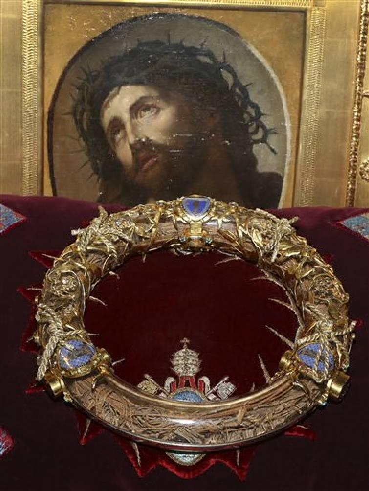 Relikwia korony cierniowej Chrystusa zdobyta przez św. Ludwika, króla Francji, przechowywana w katedrze Notre-Dame w Paryżu