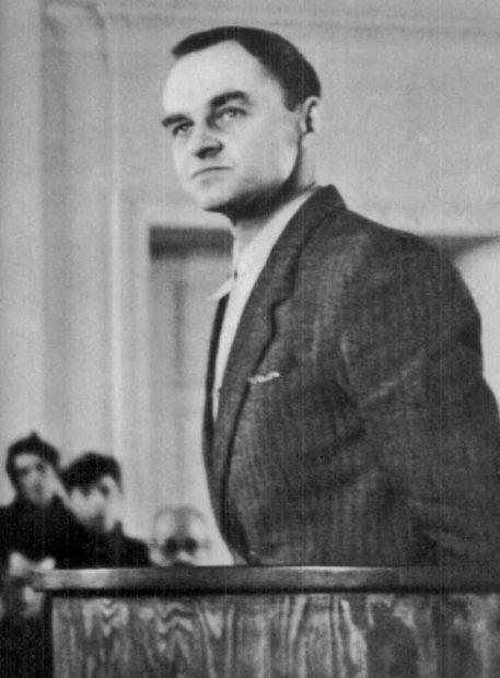 Rotmistrz Witold Pilecki na sali rozpraw przed Wojskowym Sądem Rejonowym w Warszawie; marzec 1948