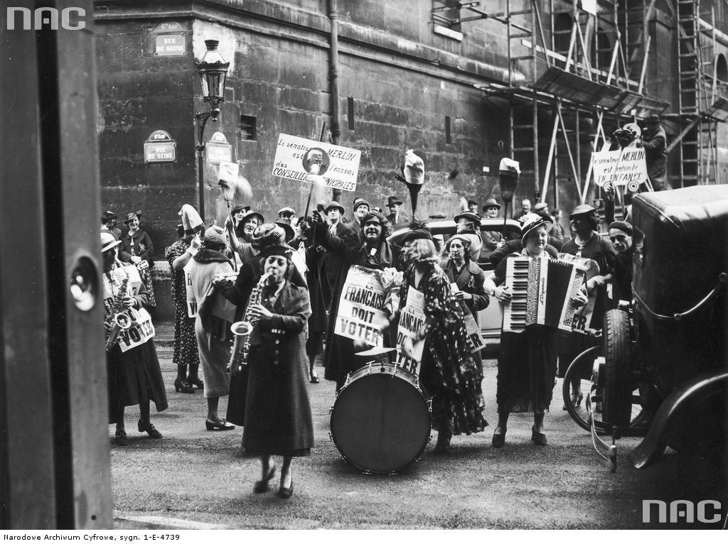 Demonstracja kobiet w Paryżu 1936