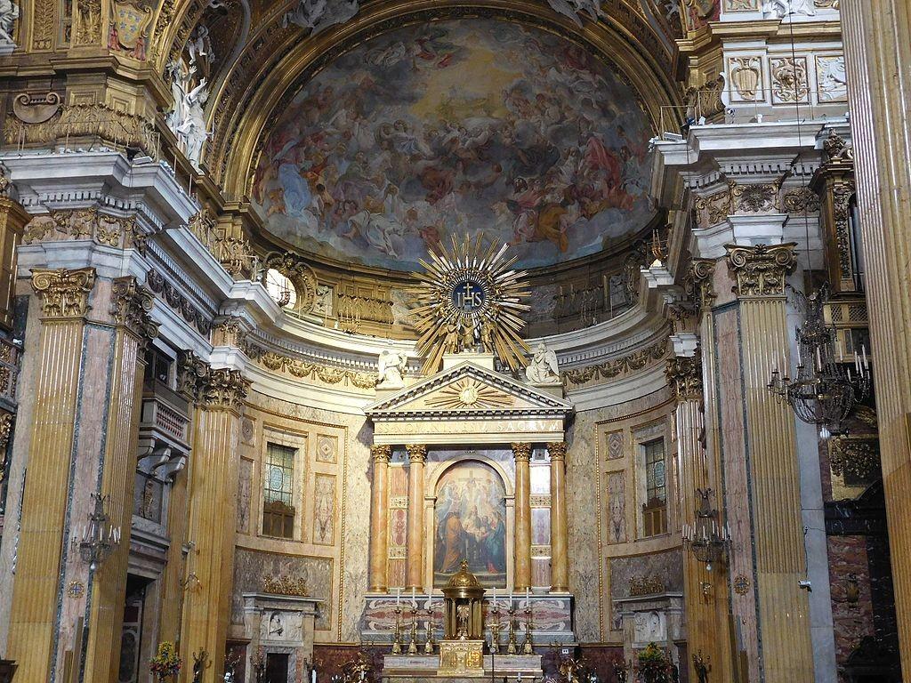 Wnętrze rzymskiego kościoła Il Gesu, w którym złożono relikwie ciała św. Andrzeja Boboli. Za Wikipedia. org. fot. F. Czarnowski
