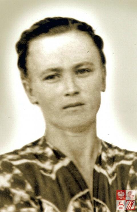 """Weronika Sebastianowicz z d. Oleszkiewicz, ps. """"Rożyczka"""", po powrocie z łagru. 1955 r."""