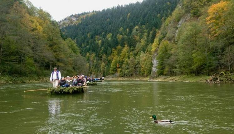 Różaniec do Granic, października` 2017, Sromowcne Niżne, modlitwa na flisackich łodziach